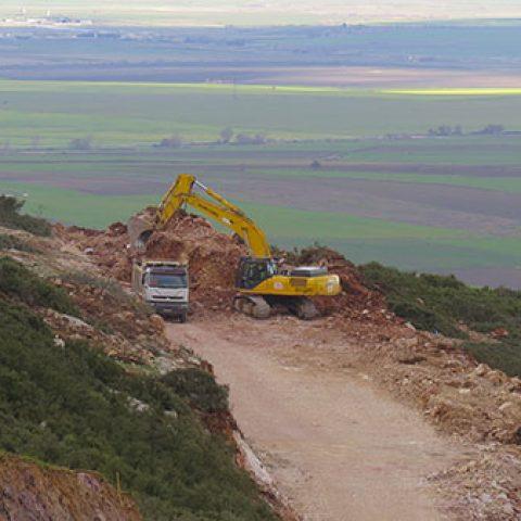 Umut İnşaat A.Ş.Edincik Rüzgar Santrali İnşaatı Patlatmalı kazı yapılması,kaya dolgu yapılması, üst yapı inşaatı işi